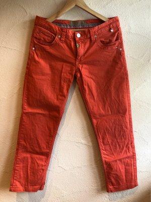 Jeans in frischer Farbe