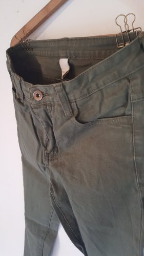 Jeans in Olive-Grün