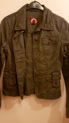Jeans-Jacke in Grün.