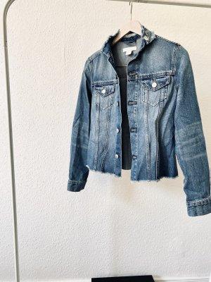 Jeans Jacke mit ausgefranstem Kragen