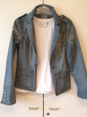 Jeans Jacke mit interessanten Design