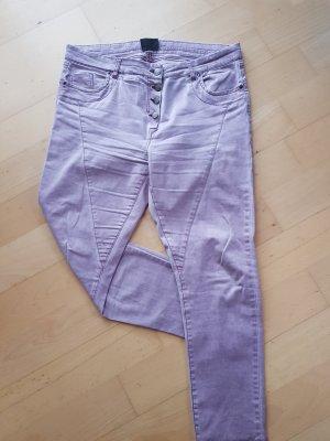 Jeans Janina rosa mit stylischen Nähten