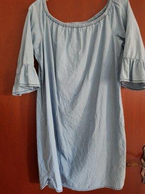 Off-The-Shoulder Dress pale blue