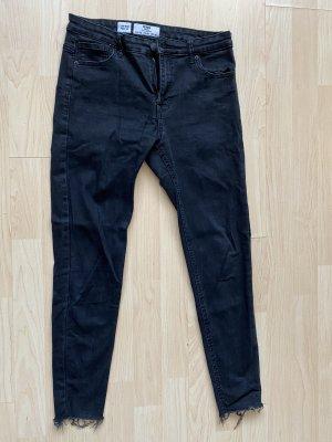 Jeans mit ausgefransten Enden