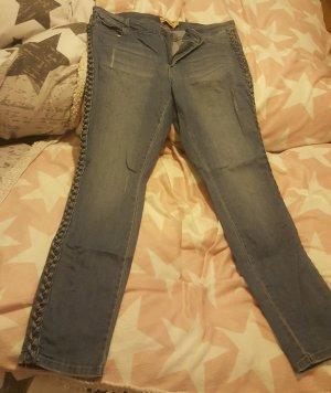 Jeans mit geflochtener Seite