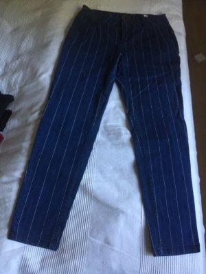 Jeans mit längsstreifen