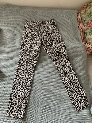 Jeans mit Leo Print