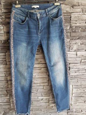 Jeans mit Leostreifen