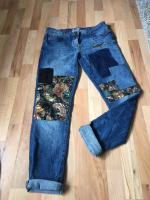 Jeans mit Muster
