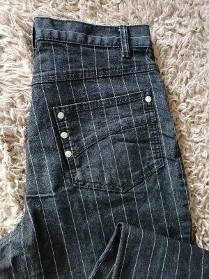 Jeans mit Nadelstreifen