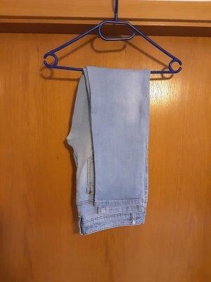 Jeans mit niedrigem Bund