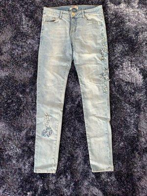 Jeans mit Perlen Muster