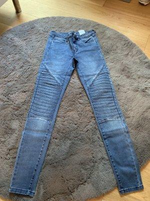Jeans mit Riffeln
