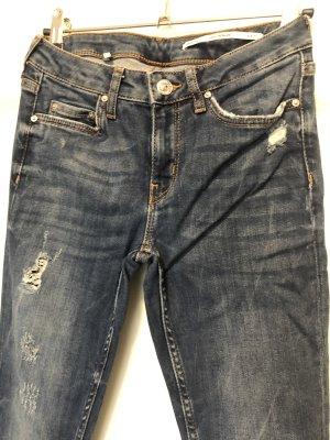 Jeans mit Rissen (skinny fit/stretch)