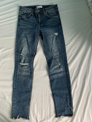 Jeans mit rissen Zara
