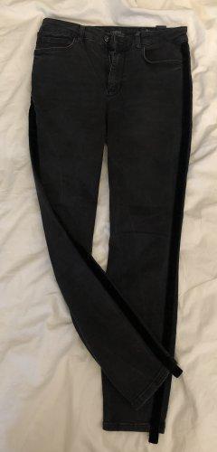 Jeans mit Samt Naht