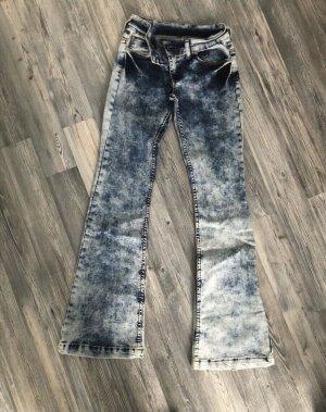 Jeans mit Schlag gr.Xs-S die hose ist stretch Neu