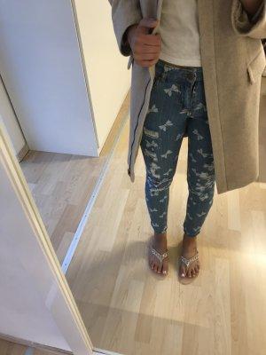 Jeans mit Schleifchen von Forever 21