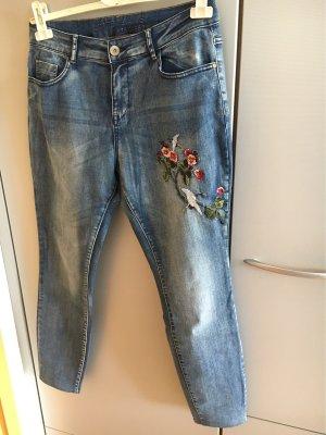 Jeans mit Stickerei Gr38