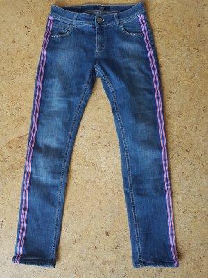 Jeans mit Streifen- und Strassteinchen details