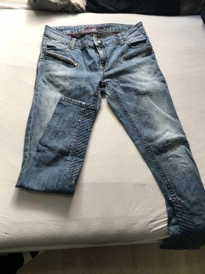 Jeans mit tollen Applications