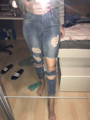 Jeans mit vielen cut outs