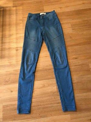 Jeans, Pieces