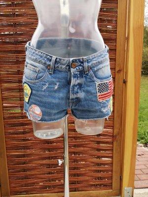 Jeans Short mit Applikationen!