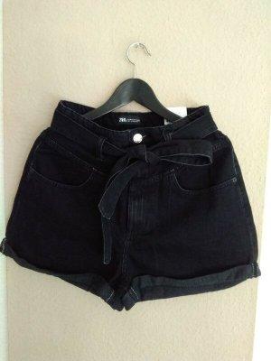 Jeans Shorts mit hohem Bund und Gürtel in schwarz, Grösse 40, neu