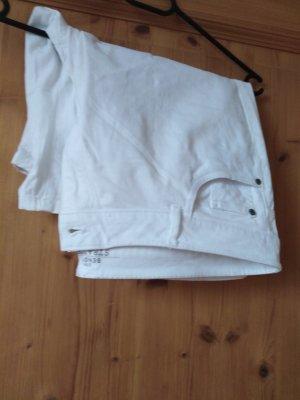 Jeans Shorts mit T-Shirt