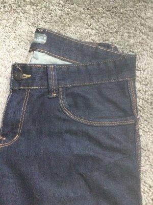 Jeans von Berg, das ist eine Marke für Outdoorbekleidung