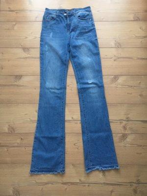 Bershka Jeansowe spodnie dzwony ciemnoniebieski