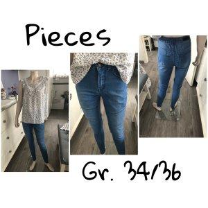 Jeans von Pieces Gr. 34/36