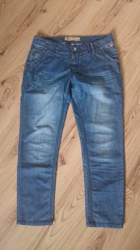 Jeans von Timezone, Gr. 38 bzw. 30- wie neu