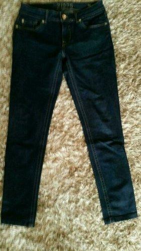Jeans von Zara in Dunkelblau Gr.36