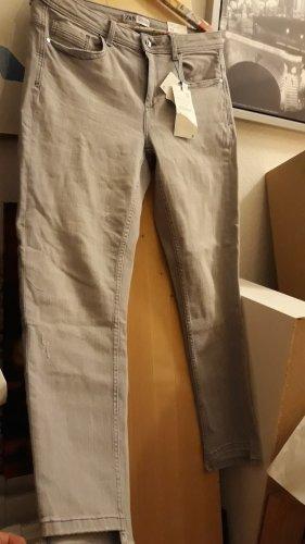 Jeans von Zara mit hoher Teile, Gr.44,neu