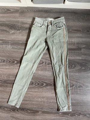 Jeans zara Hose röhrenjeans skinny Stretch Khaki olivgrün graugrün Mint Strass streifen seitlich glitzer