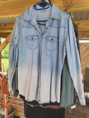 Blouse en jean bleu pâle