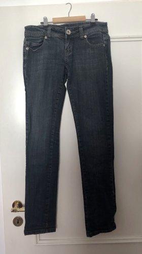Jeanshose mit geradem Schnitt