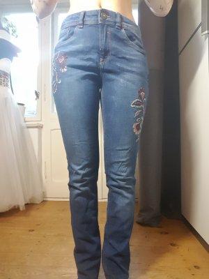 Jeanshose mit Stick