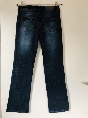 Jeanshose Only W27 mit leicht ausgestelltem Bein