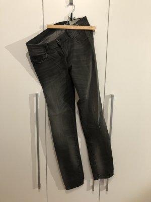 Jeanshose von Diesel in Größe 31/34 *neuwertig*