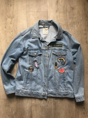 Jeansjacke Bershka mit Patches