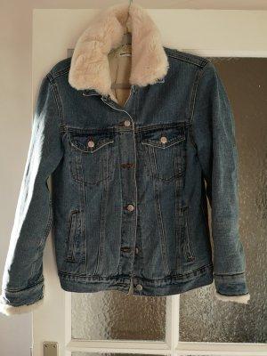 Jeansjacke mit abnehmbarem Fellkragen