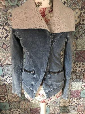 Jeansjacke mit Fell in M