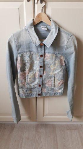 Jeansjacke mit Muster
