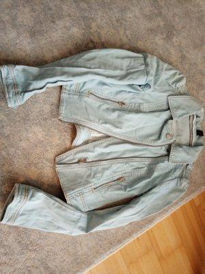 Jeansjacke mit Puffärmeln