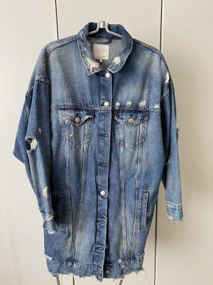 Jeansjacke mit Rissen