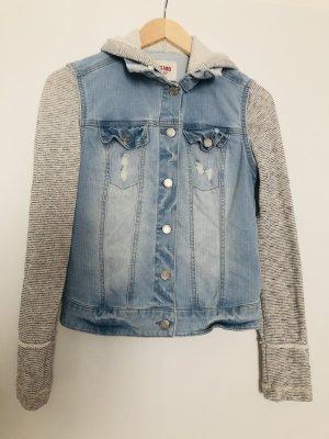 Jeansjacke mit Stoffärmel