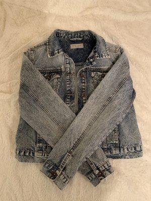 Jeansjacke mit Waschungen